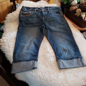Maurices Blue Jean Capris Size 9/10